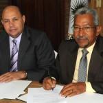 Jorge Ramos C. y Ricardo Garcia firman
