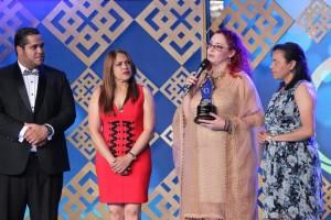 Luisa Rebeca Premio al Merito