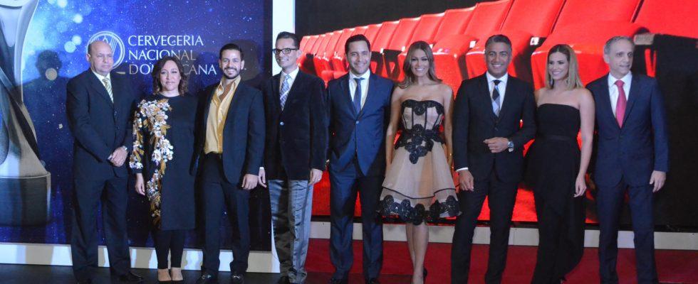 Pamela y Francisco  conducirán Premios Soberano 2017