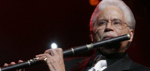 Honrar en vida a nuestros grandes artistas dominicanos