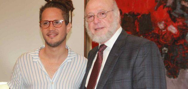 Vicente García rememora su experiencia en el Latin Grammy con el ministro de Cultura
