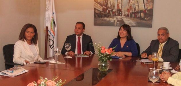 Abel Martínez explica a Acroarte iniciativa de llevar a Santiago Premio Soberano