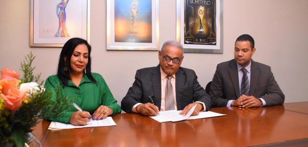ACROARTE renueva acuerdo de asesoría migratoria gratuita para sus miembros