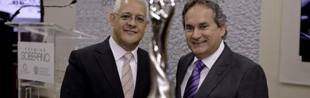 Premio Soberano  cambia estatuilla de oro por Platino